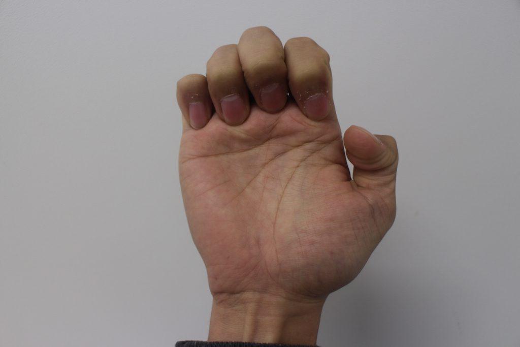 拳の握り方